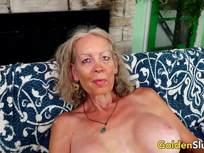 GILF Super Sexy Pleasures a  Lover with Her Mouth and Aged Pussy
