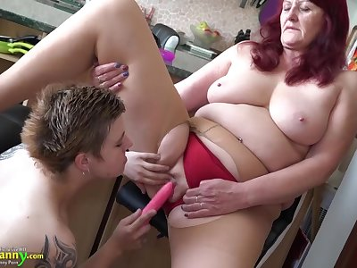 Teen lesbian stick toy to old granny cunt
