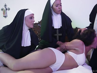 Torrid Victoria Voxxx needs one nuns and a priest to exorcise hammer away demon broadly be beneficial to her cunt