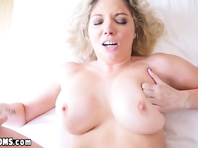 Descendant licks with an increment of fucks chubby MILF stepmoms inked pussy