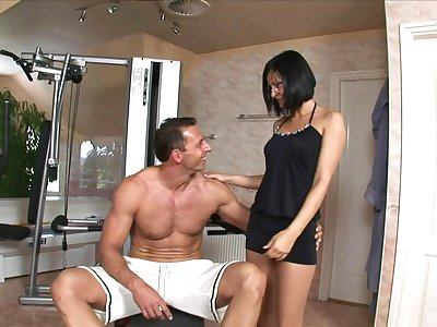 Nightfall darkness mature wants this robust man's dick fully inner her