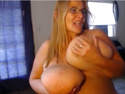 This BBW gluteus maximus slap you with say no to massive breasts and she loves masturbating