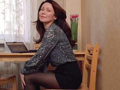 Hot elegant MILF happens apropos love getting literal plus she masturbates a lot