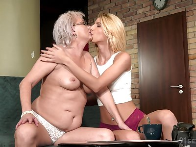 Thick matured shares intimate moments with say no to lesbian niece